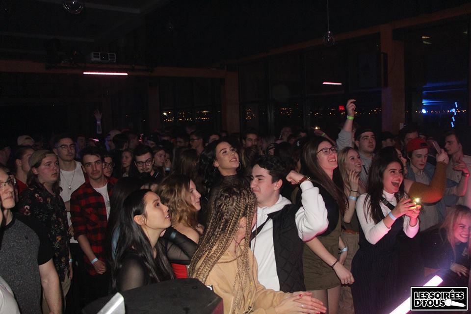 jeunes party bal après-bal