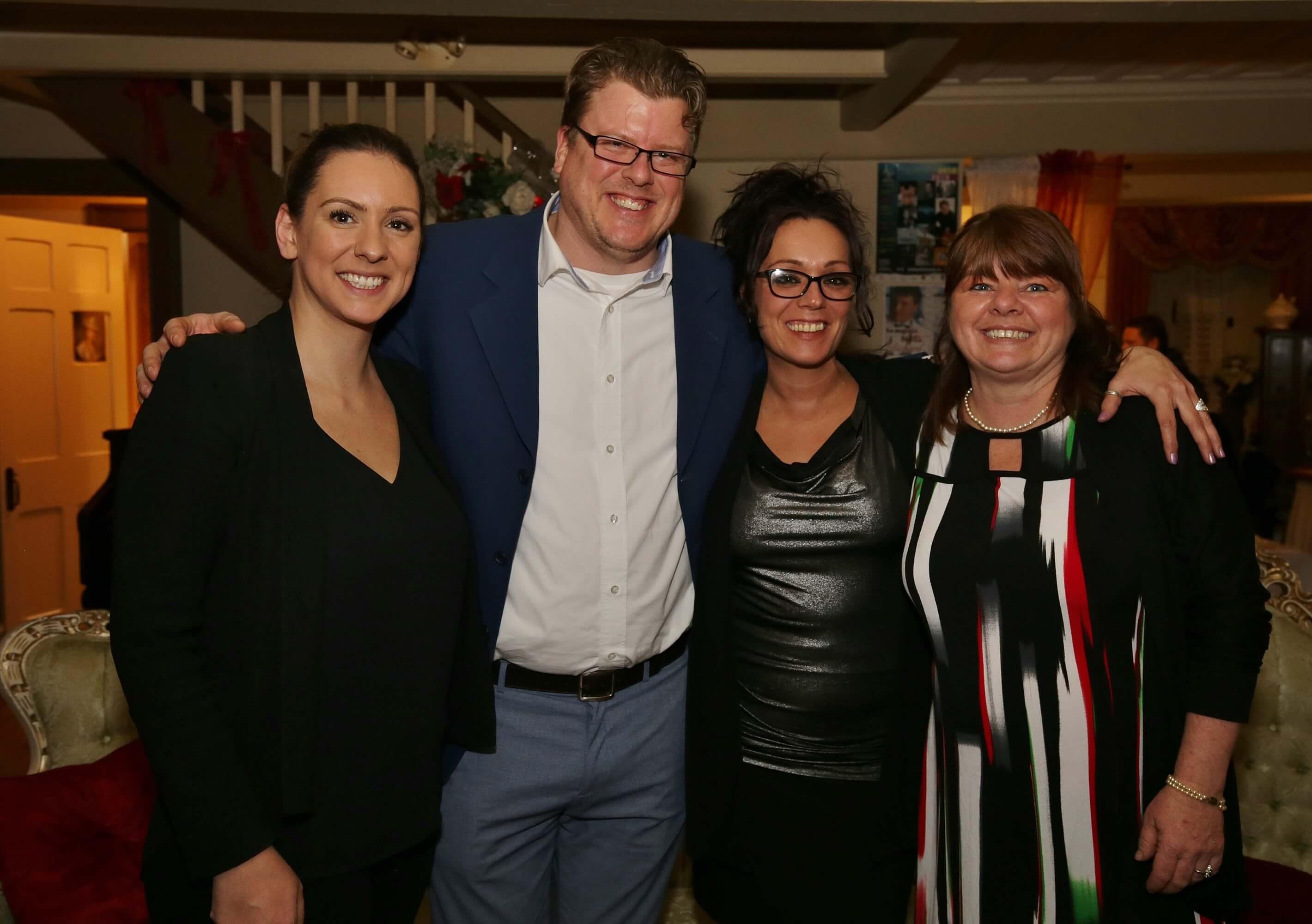 représentant SSVP et trois dames