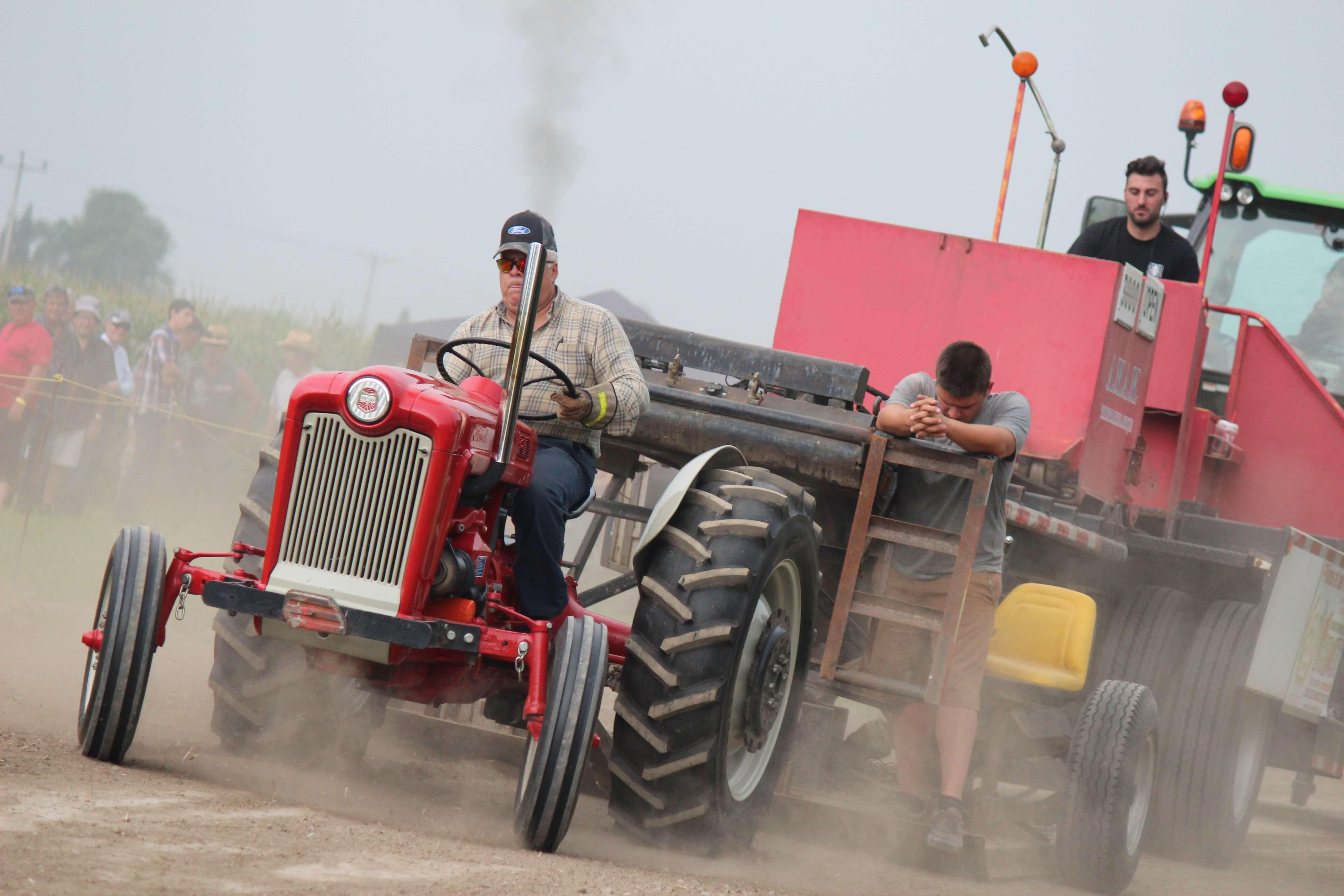 Tirs de tracteurs à Saint-Alexis
