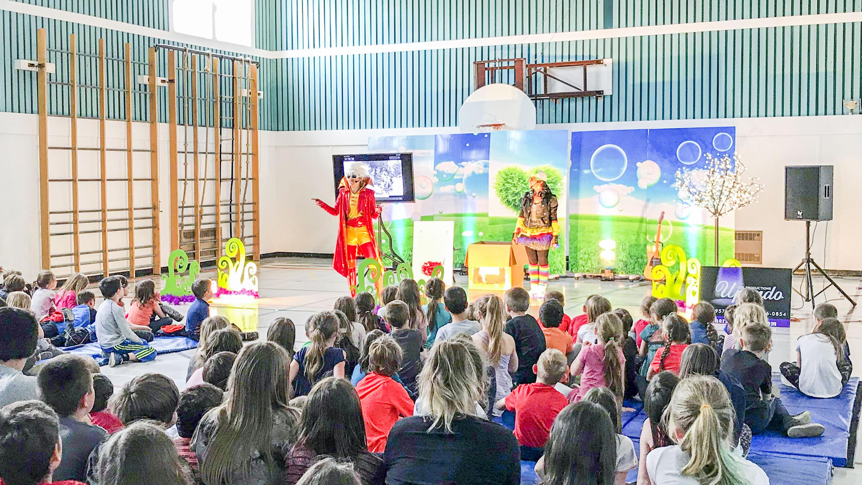 École de Sainte-Félicité intimidation spectacle
