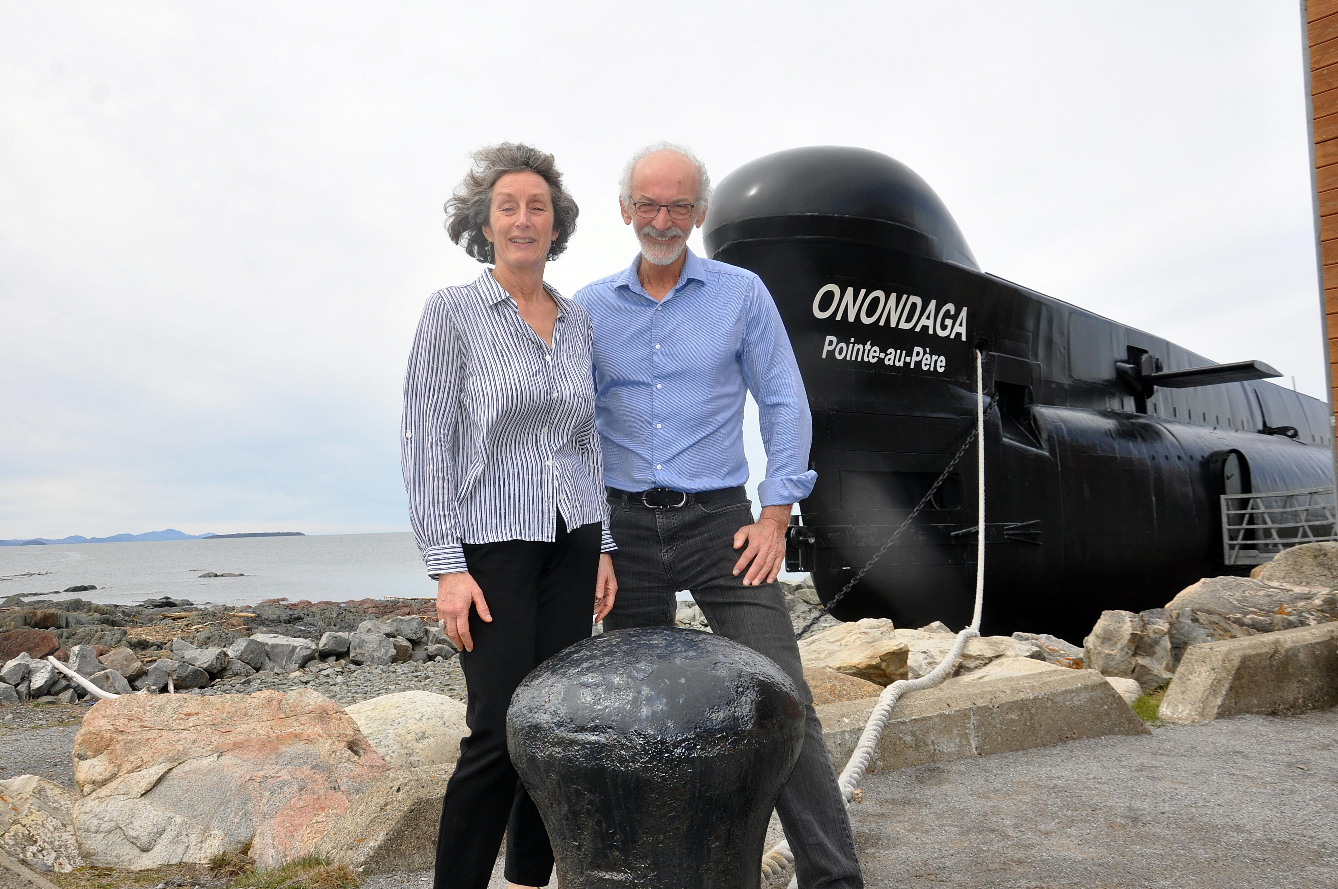 Annemarie Bourassa et Serge Guay, à la barre du site historique maritime de la Pointe-au-Père.