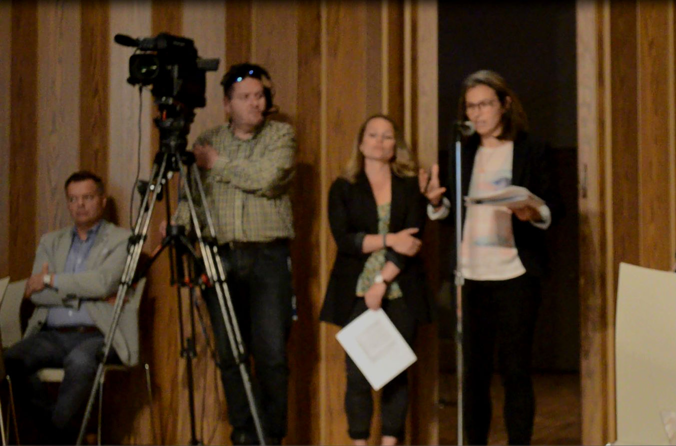Les deux promotrices d'une auberge de jeunesse à Rimouski Nadia Ross et Michaelle Ouellet.