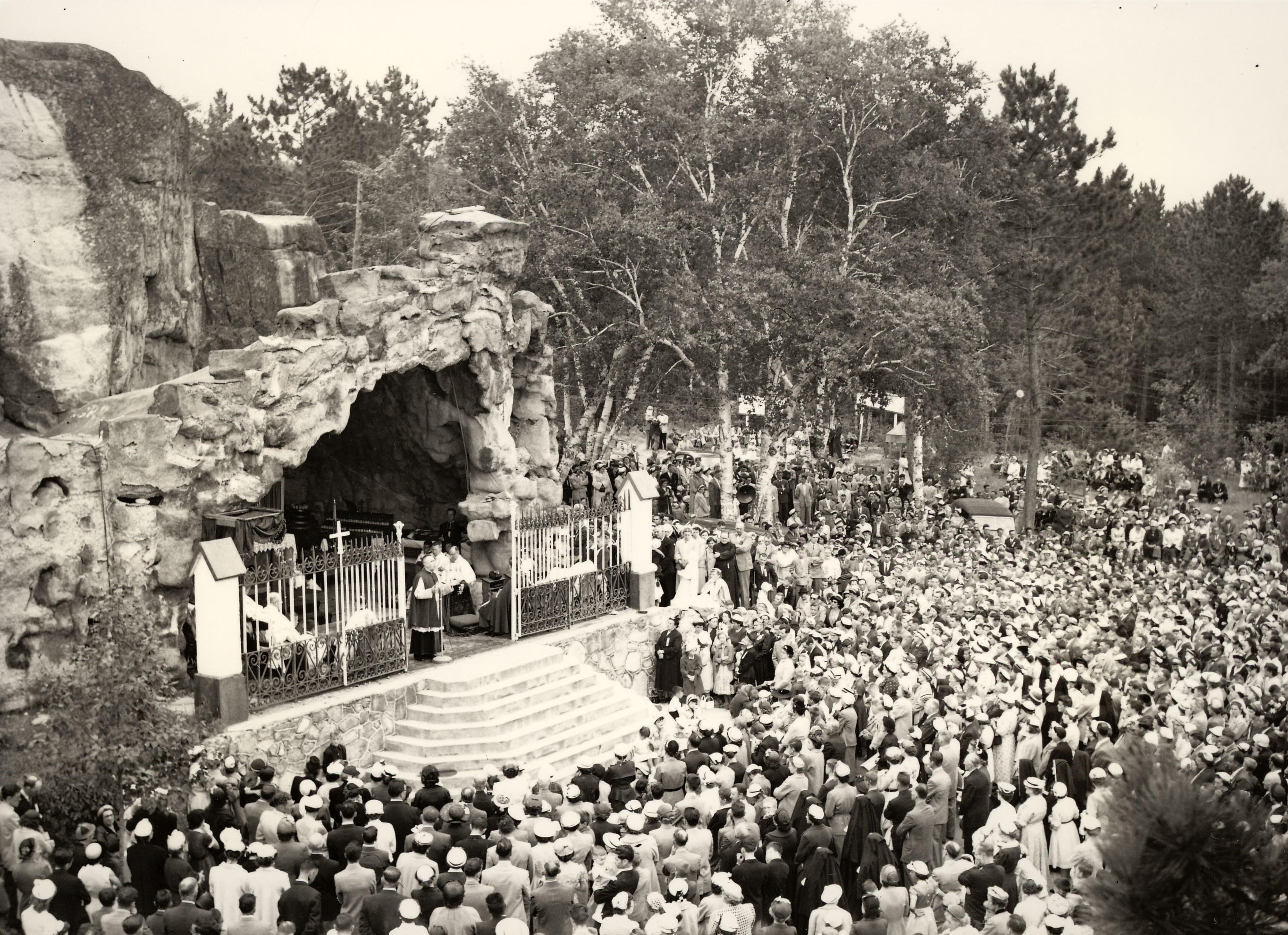 Grotte Ville-Marie 1956
