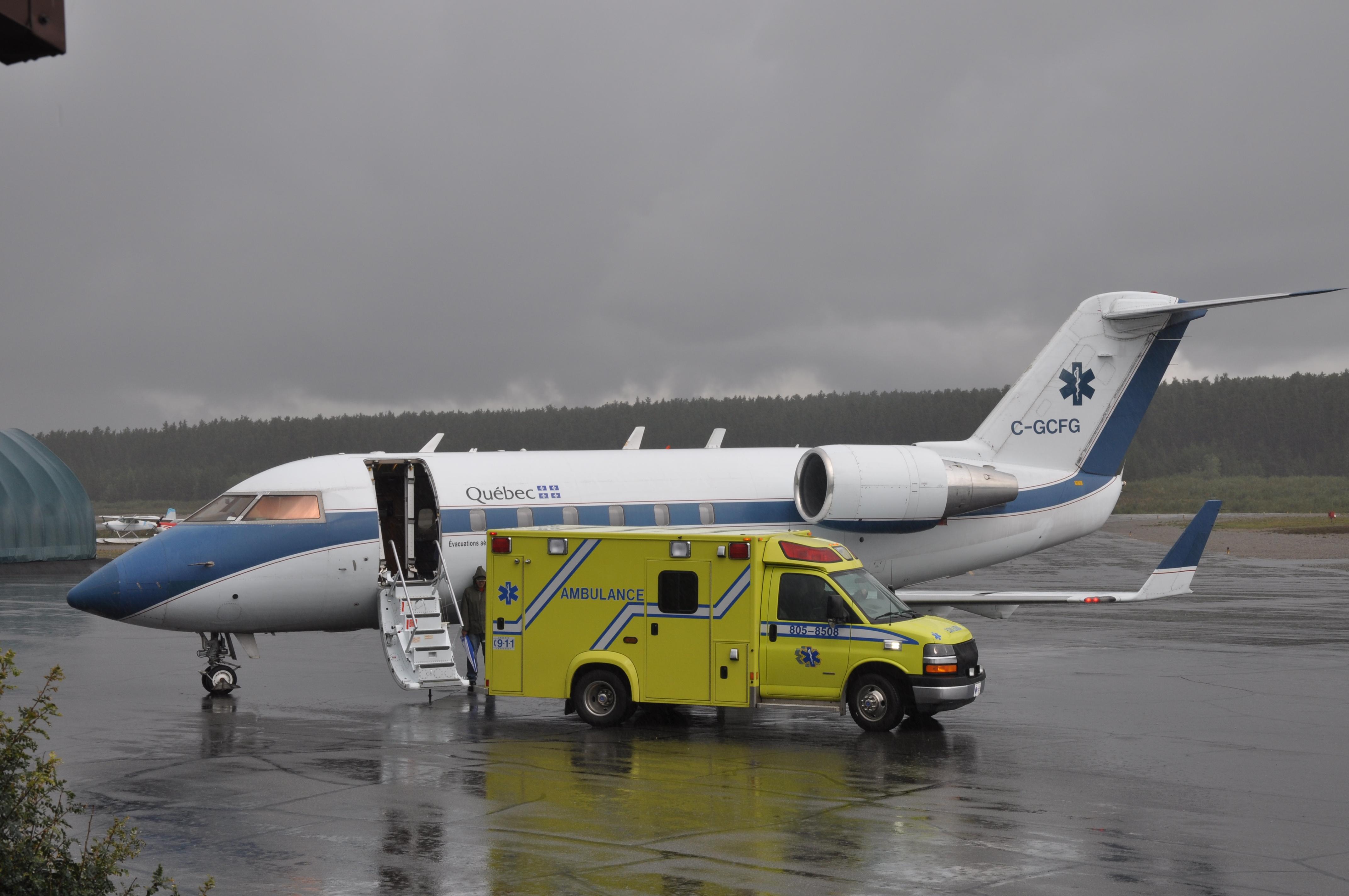 AB-AvionAmbulanceFrais