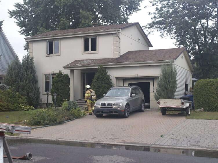 Un feu dans un garage cause de lourds dommages