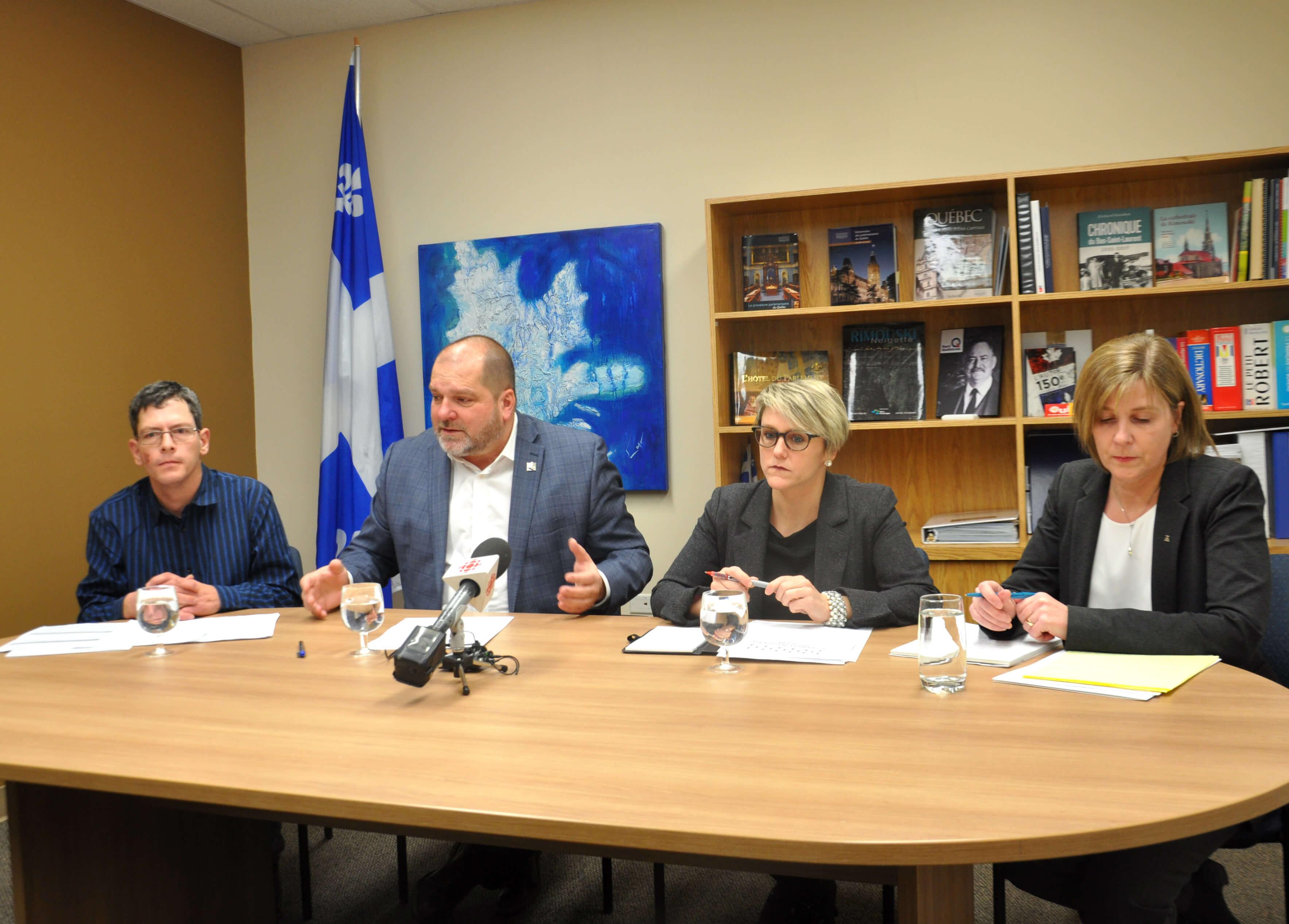 Michel Dubé, Harold LeBel, Me Céline Nadeau et Me Louise Fortin