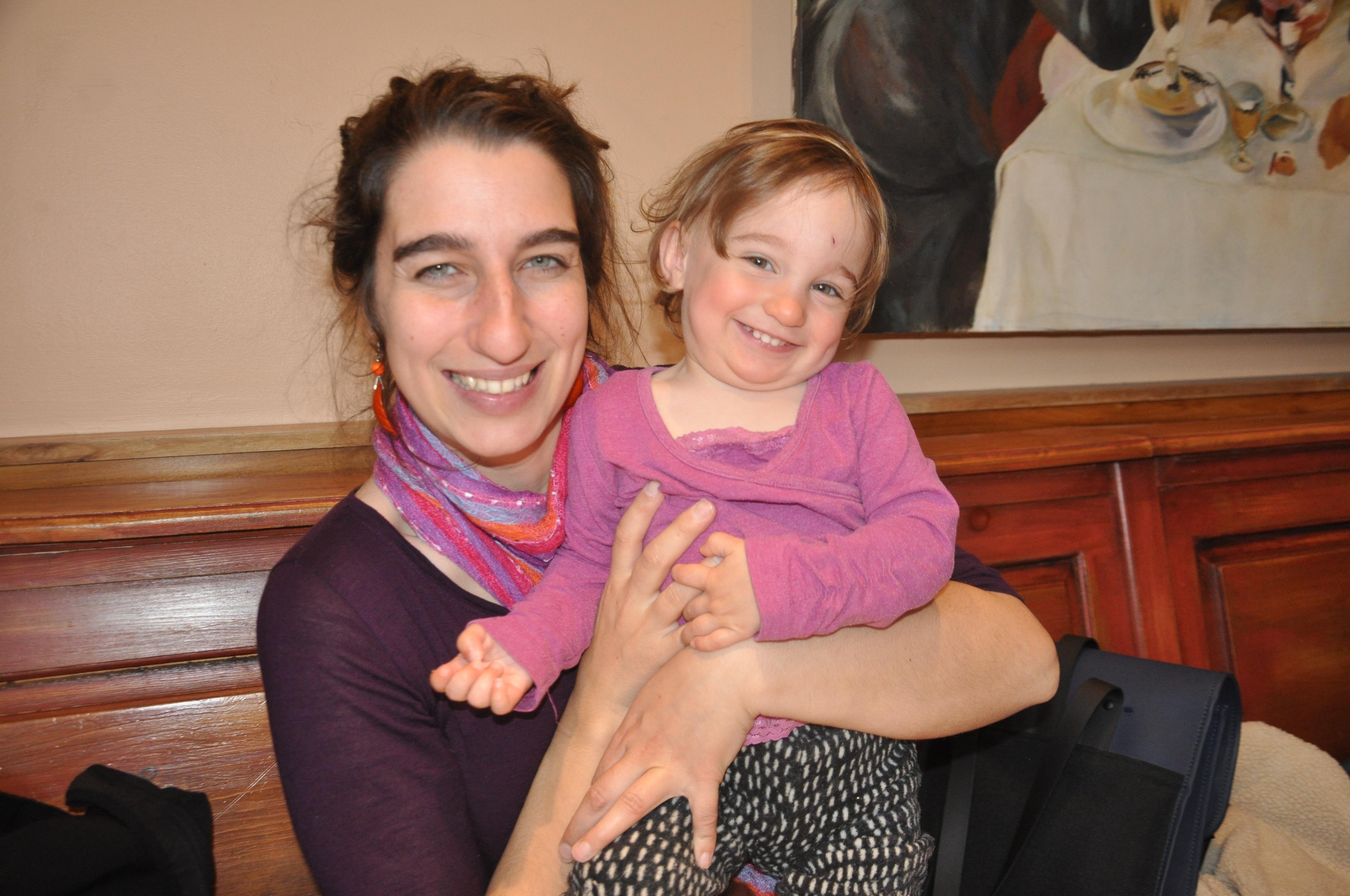 La députée Emilise Lessard-Therrien, en pleine conciliation travail-famille !