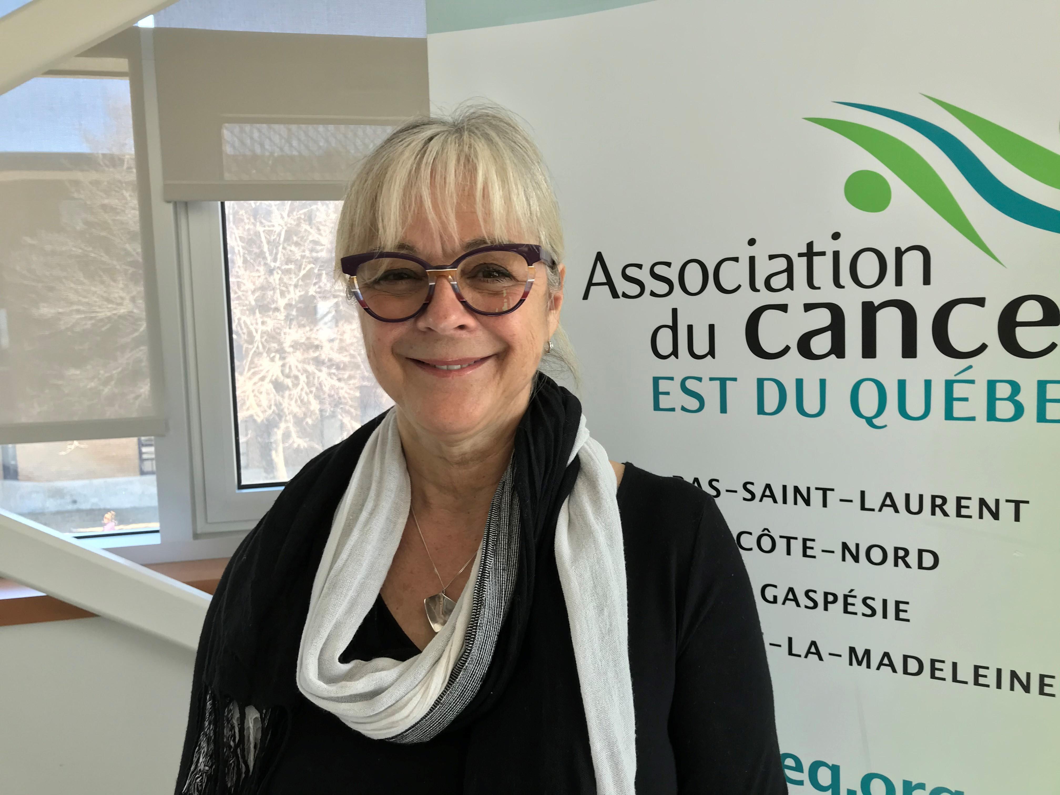 Louise Lévesque, bénévole à l'accueil à l'Hôtellerie Omer-Brazeau.