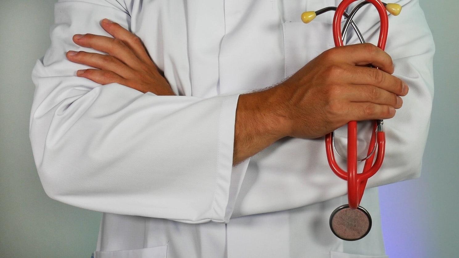 :Ce projet vise entre autres à implanter l'enseignement du préexternat en médecine, soit les trois premières années du doctorat, à Rimouski et à Lévis.
