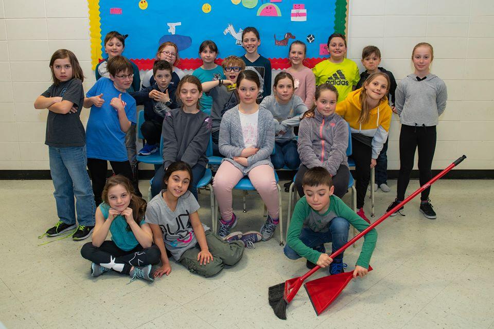 La classe de Karine St-Cyr de l'école La Rose-des-Vents à Pointe-au-Père.