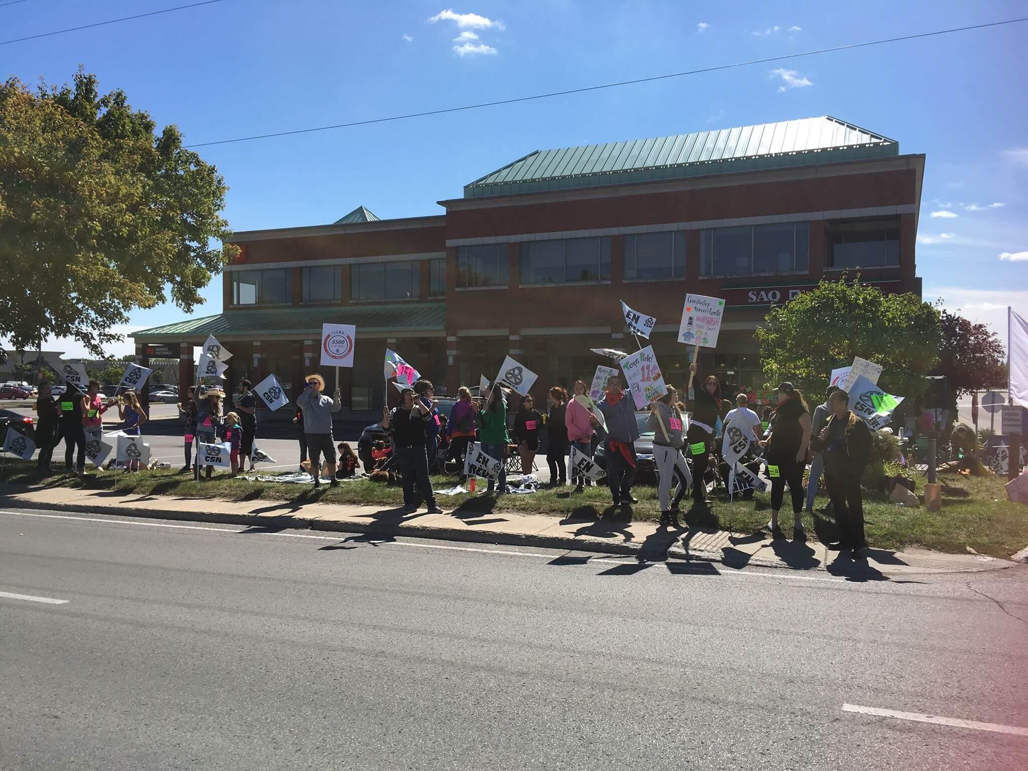 Les syndiqués de la SAQ mènent une quatrième journée de grève