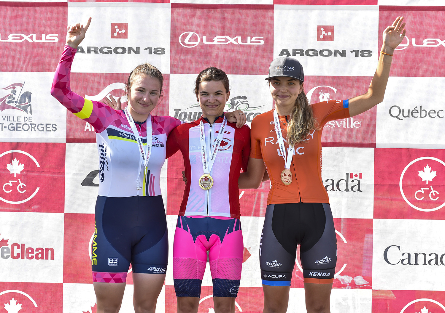Olivia Baril podium canadiens