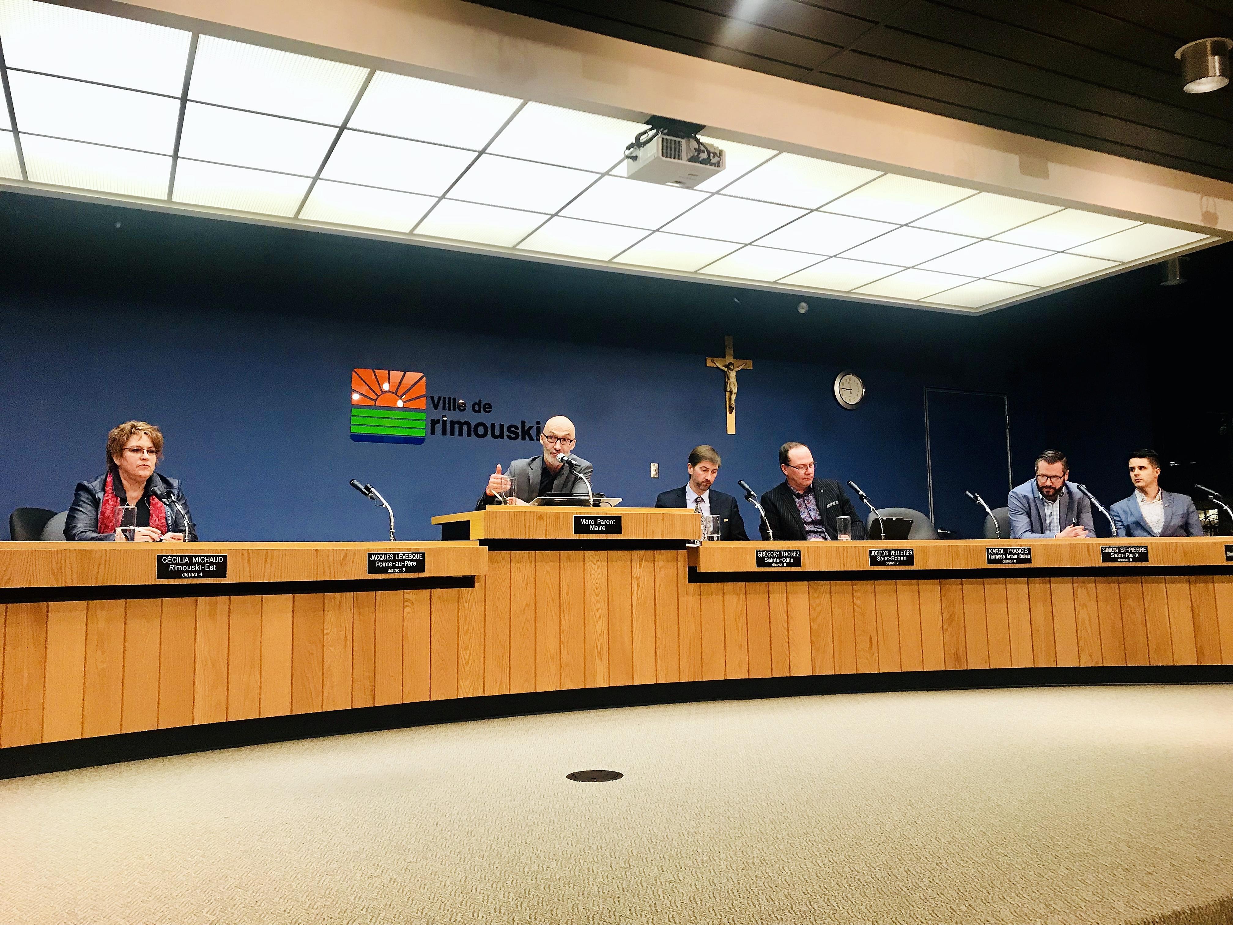 Une partie du conseil municipal lundi soir.