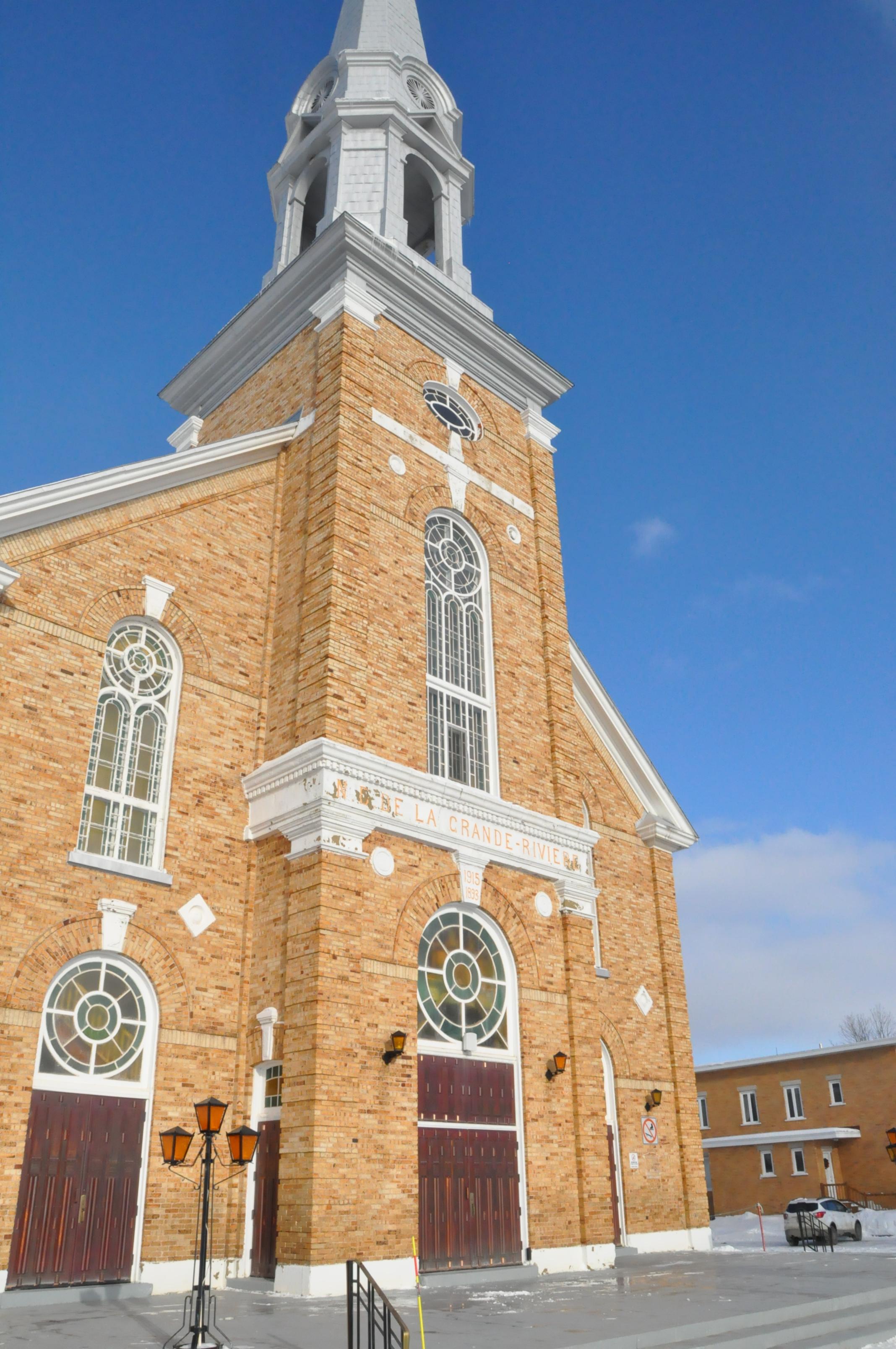 Église Grande-Rivière