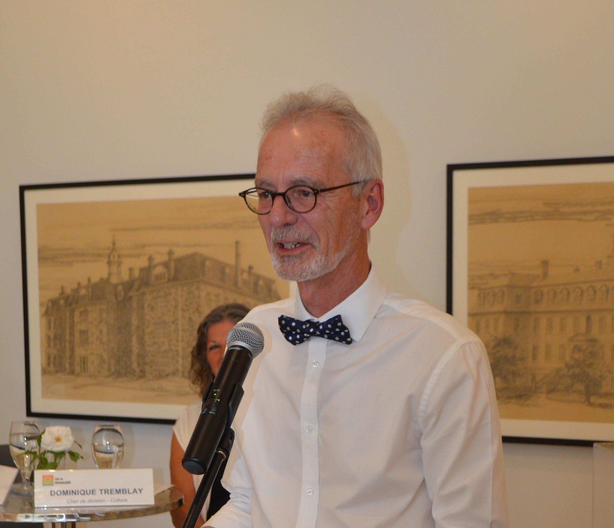 Le commissaire de l'exposition Alain Ross